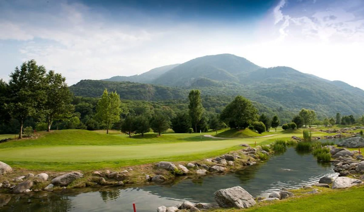 Golf Gerre Losone – Mountain golf under a perfect blue sky