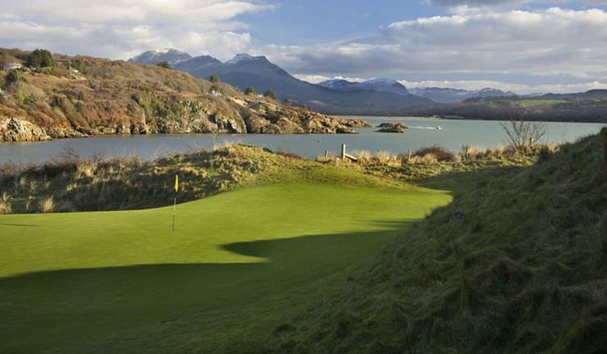 North Wales - Coastal golf with a view and a rich history